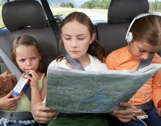 Children reading a map