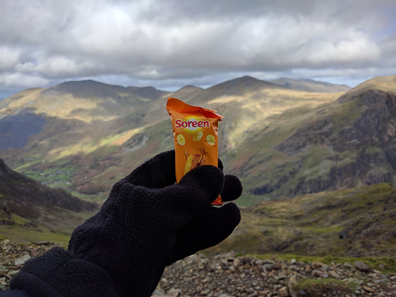 Soreen with Mountain view